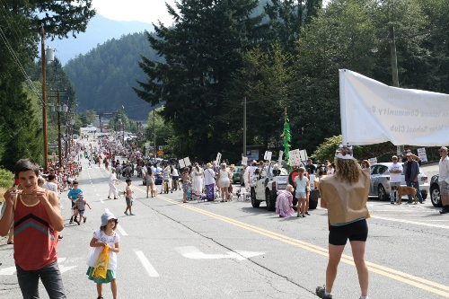 bowfest_parade_2014